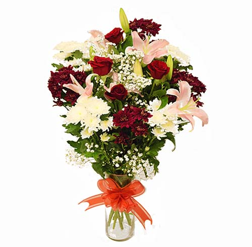 Lovely Flora & Fauna Arrangement | Send Anniversary Flowers to Pakistan