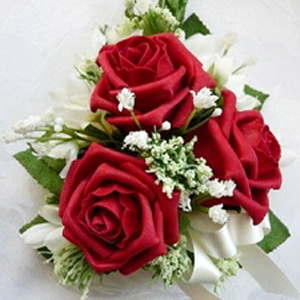 Three Red Roses Corsage | Send Valentine Flowers to Pakistan